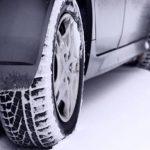 deux_pneus_dans_neige_a